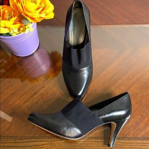 Arturo Chiang Leather Elastic Heels